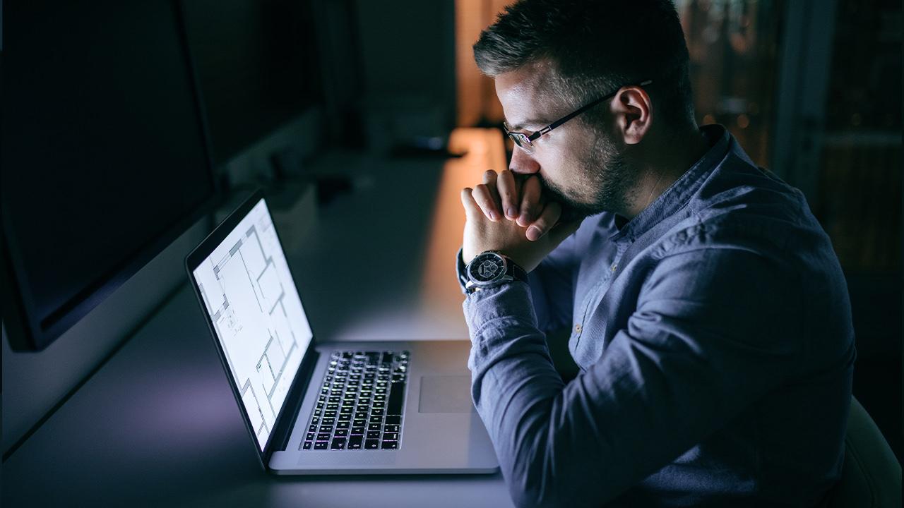 プログラミングを辞めたいと思う理由7選とその解決方法